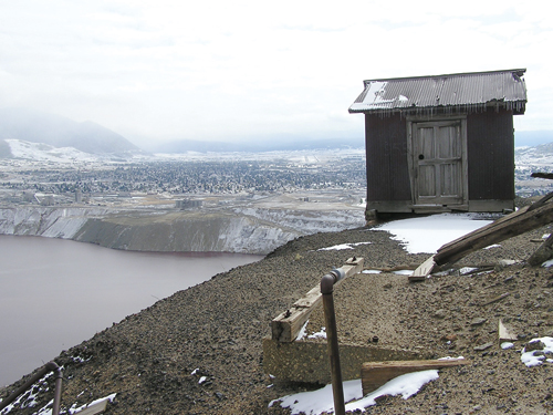 An old abandoned shack overlooking the Berkeley Pit.