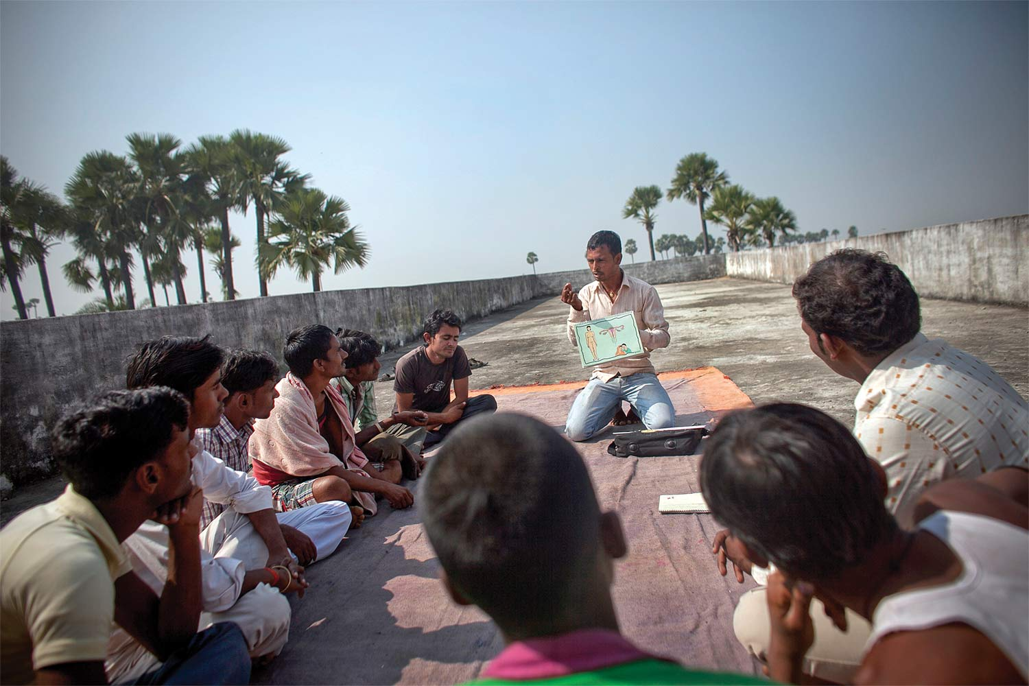 A Pathfinder worker leads a family-planning class in Kazarshoth, in the state of Bihar, India, 2013.