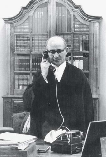 Percy Yutar in his chambers. Courtesy of David Yutar.