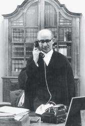 Percy Yutar in his chambers. Courtesy of David Yutar.